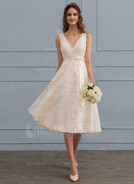 A-Line V-neck Knee-Length Lace Wedding Dress With Bow(s) (002121440)