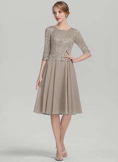 A-Line/Princess Scoop Neck Knee-Length Chiffon Lace Cocktail Dress (016174097)